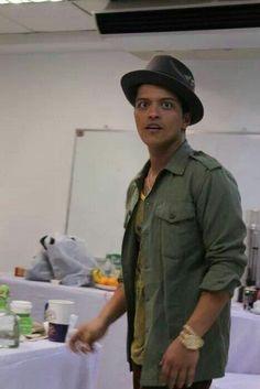 Bruno: Oooh look food