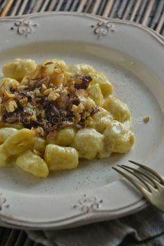 La Cucina di Stagione: Gnocchi di patate con crema al taleggio, radicchio rosso e noci