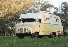 "1952 Austin loadstar ""Inga""."