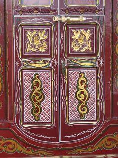 Vardo doors (upside down?)