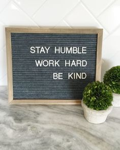 Great way to share some motivation with everyone in the house :) DIY Letterboard.