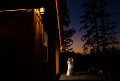 Gorgeous Napa Valley barn wedding at sunset. T.J. Salsman Photography - Napa Valley Wedding, elopement, and portrait photographer