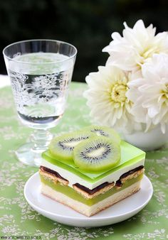 Having an awesome day Pudding Desserts, No Bake Desserts, Delicious Desserts, Polish Desserts, Polish Recipes, Layered Desserts, Jello Recipes, Different Cakes, Russian Recipes