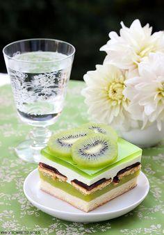 "Cake called ""Shrek"" / Ciasto Shrek #Amica #inteligentnystyl www.amica.com.pl"