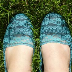Shoesday Tuesday – Fun & Lacy Flats Revamp!
