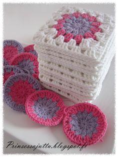 Prinsessajuttu: virkkaus Crochet World, Crochet Art, Crochet Hooks, Gorgeous Grannies, Fun Diy Crafts, Crochet Squares, Couture, Lana, Crochet Projects