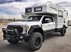 EarthRoamer XV-LTS expedition vehicle gets even meaner Overland Truck, Expedition Vehicle, Motorcycle Camping, Truck Camping, Minivan Camping, Ford Super Duty, Big Trucks, Ford Trucks, Hors Route