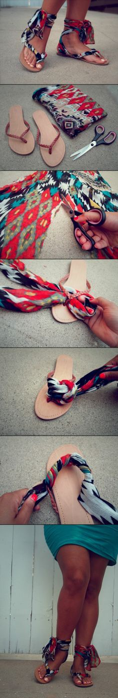 DIY Gladiator Wrap Sandals - i would use a different materials/pattern but i love this idea aayushi sharan Chinelos Flip Flop, Moda Hippie, Flipflops, Diy Kleidung, Diy Vetement, Diy Couture, Diy Clothing, Refashion, Diy Fashion