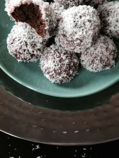 Page non trouvée Arabic Sweets, Arabic Food, Pastry Recipes, Dessert Recipes, Algerian Recipes, Round Cakes, Biscuit Recipe, Pretty Cakes, Donuts