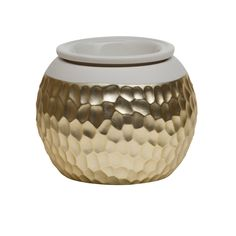 "XMAS 2016 - A Scentsy Warmer in the style ""Goldsmith"" - This is the only style I like. You don't have to get me the stuff to burn with it cause I don't know what smell I would like yet"