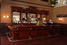 ideas for an old fashion saloon bar Vintage Style, Vintage Fashion, Vintage Wood, Victorian Bar, Western Bar, Wooden Bar, Wood Cabinets, Bars For Home, Picture Show