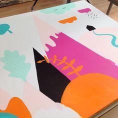 Vi fortsätter på vår målning, snart klar🖌🎨 #purmoart #purmo