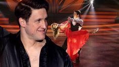 """Lob pur von der Jury, Standing Ovations vom Publikum: Matthias Steiner überzeugte dieses Mal auf ganzer Linie bei """"Let's Dance"""". Seinen grandiosen Auftritt widmete er einer ganz besonderen Frau – seine Inge war es allerdings nicht..."""