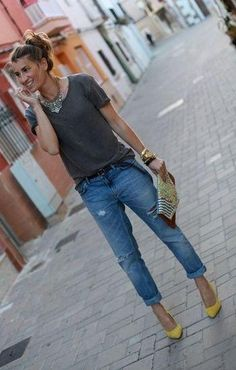 Boyfriend jeans and yellow pumps are a perfect match