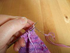 *TuTO : le grafting sur jersey endroit * - Les Jolies de Milie Blog, Tuto Tricot, Knit Socks, Sewing, Tutorials, Blogging