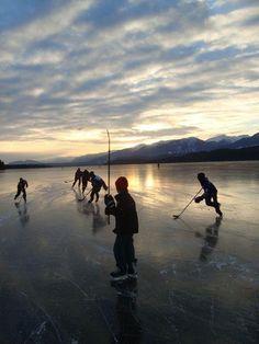 Hockey on the pond
