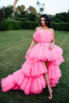 Fashion dresses 672514156837230903 - H&M and Giambattista Valli Collaboration: Kendall Jenner in pink tulle dress Source by Tulle Dress, Boho Dress, Pink Dress, Barbie Dress, Kendall Jenner Outfits, Kylie Jenner, Look Fashion, Runway Fashion, Fashion Trends