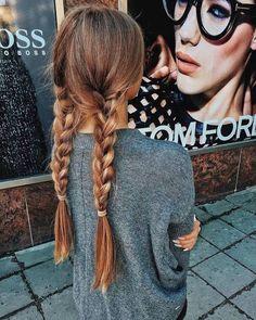 Las tradicionales dos trenzas nos encantan #Trenzas #Braids #Hairstyle #Peinados