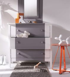 19 astuces pour rendre vos meubles ikea chics tendance chic transformers et tables. Black Bedroom Furniture Sets. Home Design Ideas
