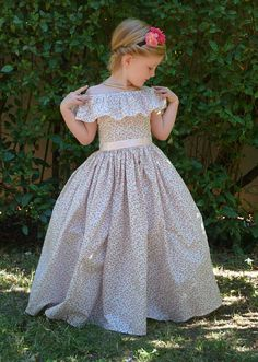 Trendy sewing dress for little girls kids ideas Robes Disney, Disney Princess Costumes, Coin Couture, Baby Couture, Little Girl Dresses, Flower Girl Dresses, Rompers For Kids, Knitted Romper, Victoria Dress