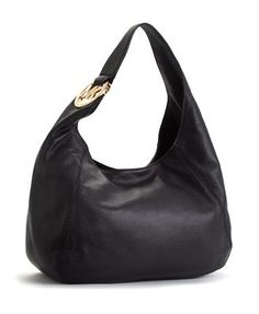 I heart my new Michael Kors purse... <3