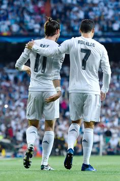 """"""" Gareth Bale celebrates with Cristiano Ronaldo after scoring the opening goal during the UEFA Champions League Semi Final second leg match between Real Madrid and Manchester City FC at Estadio. Cr7 Vs Messi, Lionel Messi, Neymar, Ronaldo Real Madrid, Garet Bale, Ronaldo Bale, Cr7 Ronaldo, Premier League, Cristiano Ronaldo Junior"""