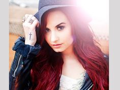 These Demi Lovato tattoos are a combination of the holy tradition and trendy. The stylish fonts can be very eye-catching like in these Demi Lovato tattoos. Divas, Demi Lovato Fotos, Demi Lovato Red Hair, Queen, Her Hair, My Idol, Beautiful People, Pretty People, Beautiful Pictures