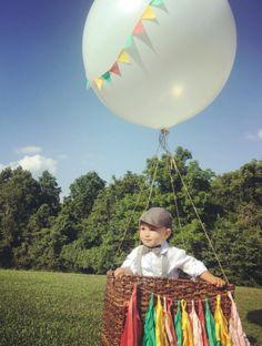 Un adorable globo aerostático como escenario para tomar las fotografía del inolvidable primer cumpleaños, no te puedes perder estas 20 ideas...