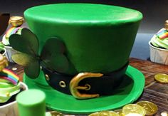 Satin Ice fondant St. Patrick's Day cake by Nicholas Ang of The White Ombre.
