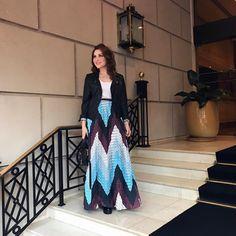 """Lu Ferreira no Instagram: """"Saia longa com estampa geométrica @lafe.oficial e jaqueta antiguinha no look de hoje! #ootd #style #fashion"""""""