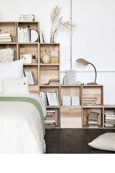 Tête de lit caisses en bois