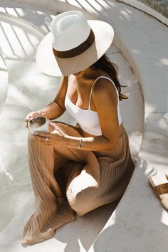 MARIANNA HEWITT - BYBLOS HOTEL - ST TROPEZ FRANCE - MORNING COFFEE BY THE POOL
