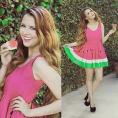 Limited Edition New York Couture WONDERLAND Collection Ombre Pink Mouth-watering WATERMELON Dress    Size S/M   Material is a FABULOUS OMBRE Pink