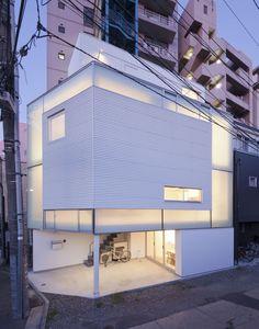 House in Nakameguro, Toyko / by Yoritaka Hayashi Architects