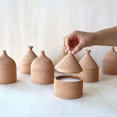 Ceramic Boxes, Ceramic Tableware, Ceramic Clay, Ceramic Pottery, Pottery Art, Slab Pottery, Thrown Pottery, Pottery Studio, Ceramic Decor