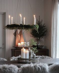The post appeared first on Skandinavisch Diy. Hygge Christmas, Christmas Hearts, Nordic Christmas, Modern Christmas, Rustic Christmas, Coming Home For Christmas, All Things Christmas, Christmas Home, Christmas Ideas
