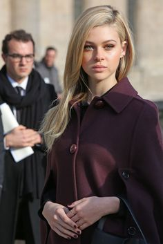 Nicola Peltz in Paris - Louis Vuitton F/W Fashion Show, March Nicola Peltz Style, Outfits and Clothes. Beautiful Celebrities, Beautiful Actresses, Gorgeous Women, Nicola Peltz, Selfies, Actrices Sexy, Hair Streaks, Celebrity Hairstyles, Mode Style
