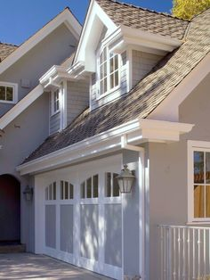 1628 Stanford - traditional - exterior - san francisco - Arch Studio, Inc. Paint Colors For Home, House Colors, Garages, Garage Door Paint, Exterior Tradicional, Carriage Doors, Modern Roofing, Design Exterior, American Houses