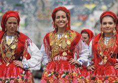Desfile da Mordomia carrega 14 milhões de euros em Ouro na Romaria Senhora da Agonia 2015 Programa | Minho em Festa