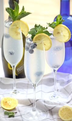 Blueberry Prosecconade, a refreshing mix of blueberry vodka, lemonade and prosecco - perfect for summer!
