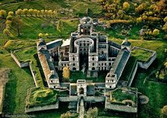 Kryztopor castle in Swietokryskie Voivodeship, Poland Star Fort, Places To Travel, Places To Visit, Chateau Medieval, Fantasy Castle, Castle Ruins, Walled City, Fortification, Ancient Architecture