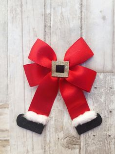 100 Cheap Dollar Store Christmas Decor Ideas in your budget Diy Hair Bows, Diy Bow, Diy Ribbon, Ribbon Crafts, Ribbon Bows, Hair Ribbons, Christmas Hair Bows, Christmas Crafts, Christmas Ornaments