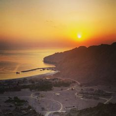 RG davesculthorpe: Mountain biking at sunrise #zighybay #musandam http://instagr.am/p/9ksbq6OM_Z