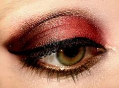 Flamenco eye make up