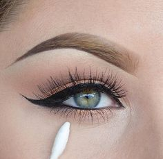 wanna know the best liquid eyeliner to master this look? click here: http://dropdeadgorgeousdaily.com/2014/03/best-liquid-liners/