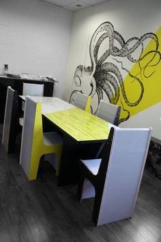 conference room made of reboard - / salle de conférence fabriqué avec notre matériel ' re-board' (Léger, recyclable comme un papier classique ! Confiez-nous vos projets !