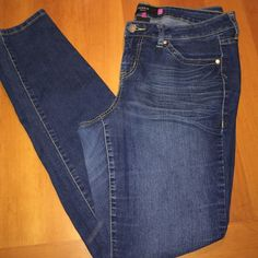 "Torrid Skinny Jeans size 16 Tall Torrid plus size skinny jeans size 16 Tall, great fit and inseam measurements approx 33"" and rise 10"" . Jeans are in excellent preowned care. Material: 79% cotton 19% polyester 2% spandex torrid Jeans Skinny"