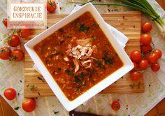 Delikatny krem z pieczonej papryki podany z pikantnymi pulpecikami drobiowymi http://zmgorzyca.pl/index.php/pl/kulinarny/zupy/346-warzywna-zupa-z-roladka-faszerowana-4