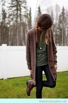 Earth tones and jeans! The look of this fall <3 Try it now!