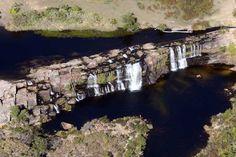 Parque Nacional da Serra do Cipo - Vista aerea da Cachoeira Grande, situada no curso do Rio Cipo. Pesquisa Google